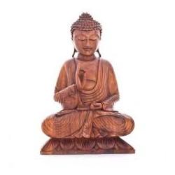 Buda grande de madera